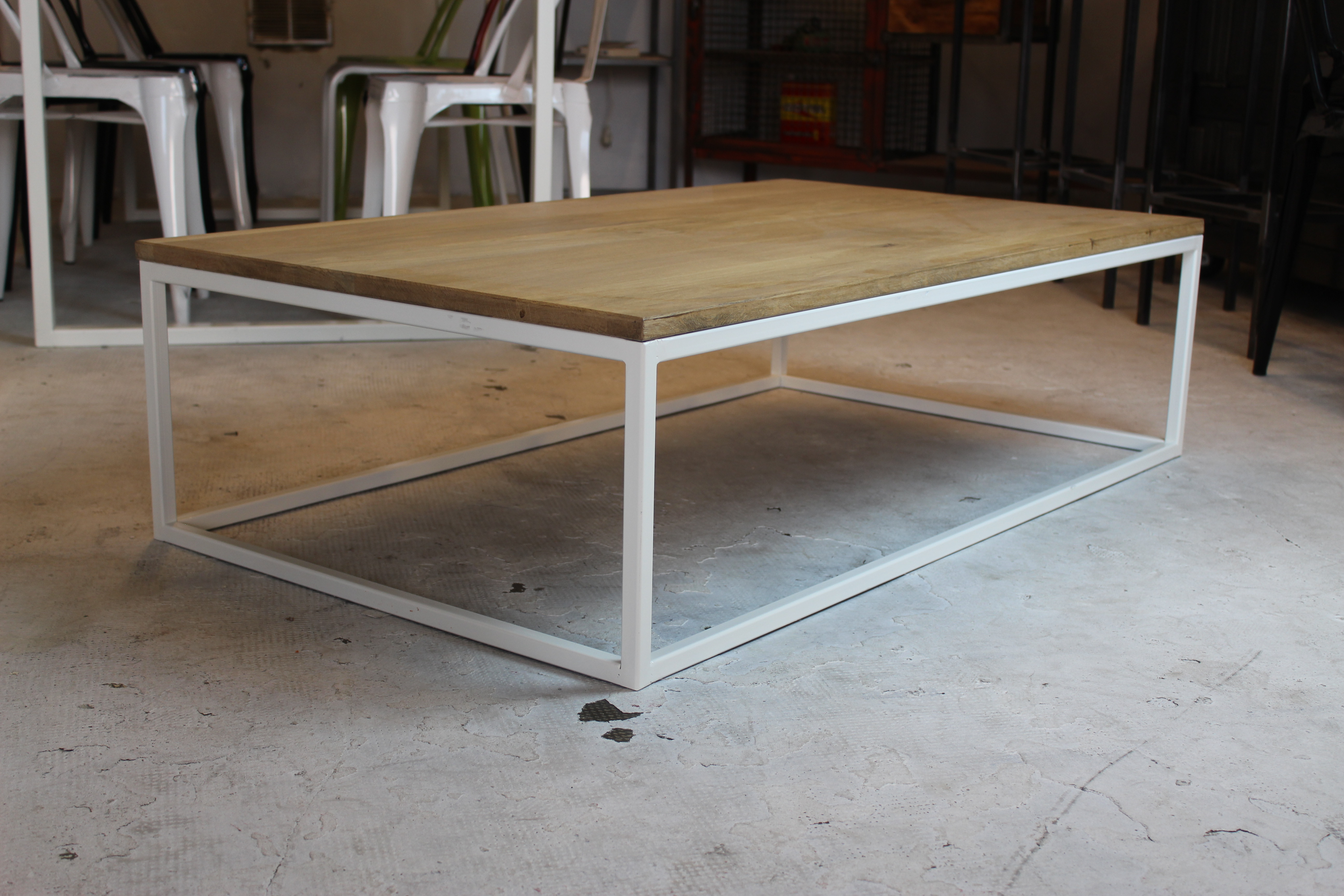 Table basse loft industeel for Les tables basses
