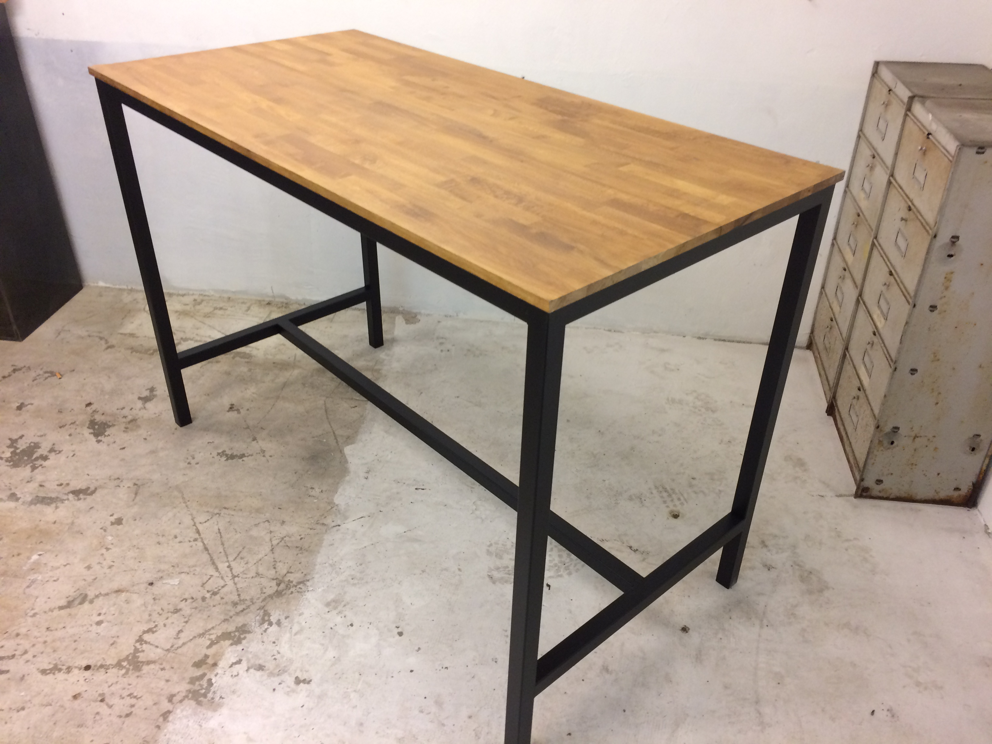 Table haute loft industeel - Table cuisine style industriel ...