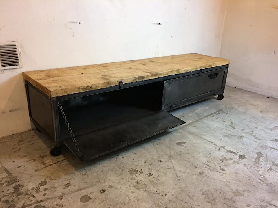 meuble tv 180 loft industeel. Black Bedroom Furniture Sets. Home Design Ideas