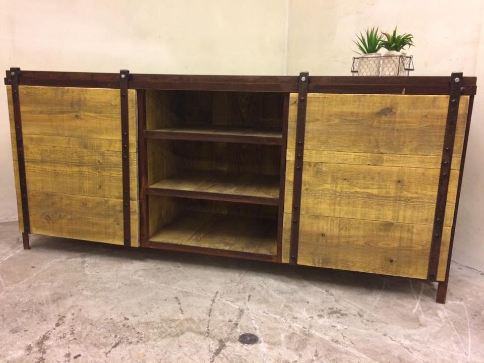 buffet industriel rouille 01 loft industeel. Black Bedroom Furniture Sets. Home Design Ideas